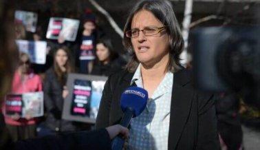 Activista en juicio por dar agua a cerdos irá a la corte el miércoles