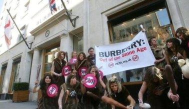 ¡VICTORIA! Burberry deja de usar pelaje y angora