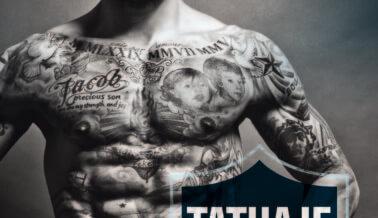 ¿Por Qué Este Jugador de Fútbol no Lleva Nada Puesto Salvo Tatuajes?