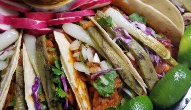 PETA Elige los Mejores Restaurantes Veganos de Propietarios Latinos en EE.UU.