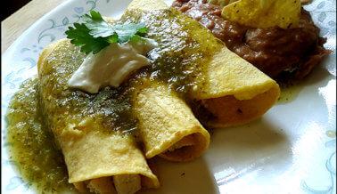 Enchiladas de tofu y salsa verde