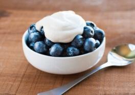 Cultívate con estas marcas de yogurt vegano