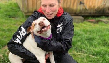 Para los Trabajadores de Campo de PETA, Cada Animal Merece Ser Tratado Como una Princesa