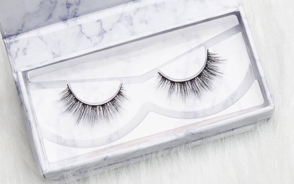AZLO cruelty-free lashes