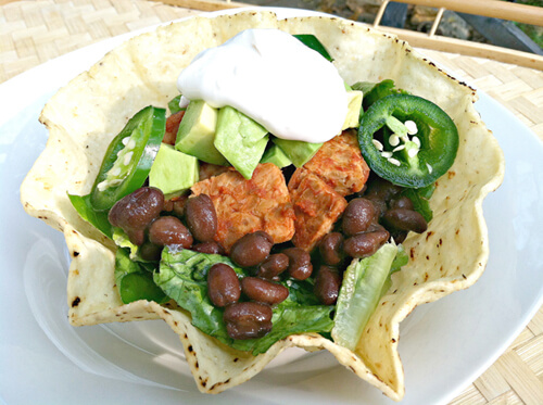 Tempeh Taco Salad | Recipes | PETA Latino