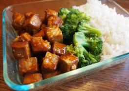 Tofu With Rice and Broccoli